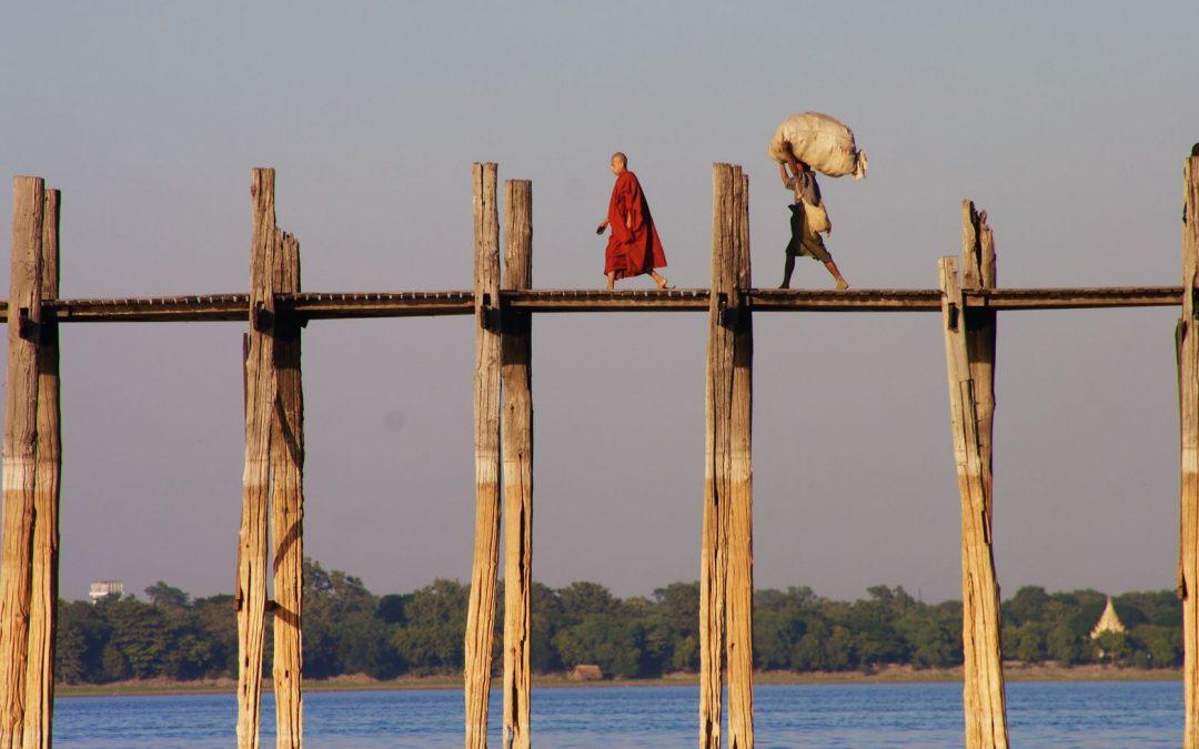 Brückenbau: Fünf Strategien um die Kommunikationskluft zwischen den Generationen zu schließen