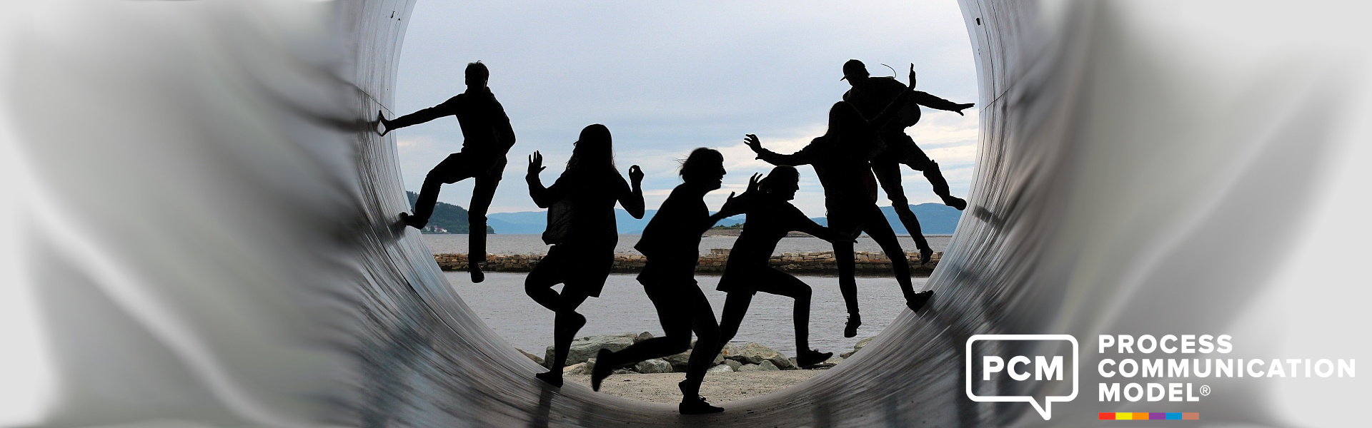 Agile Gruppe Menschen in Röhre